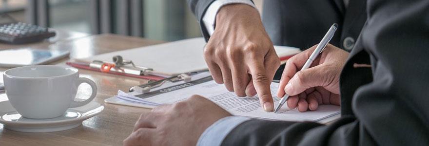 Souscrire à une assurance vie, c'est faire preuve de prévoyance. Retrouvez dans ce guide les critères à prendre en compte avant de conclure ce type de contrat.